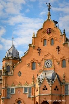 Borsos Szilárd: Kecskeméti Városháza részlete
