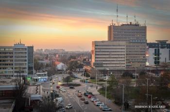 Borsos Szilárd: Napnyugta Kecskemét belvárosában