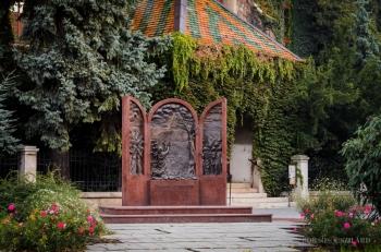 Borsos Szilárd: Psalmus Hungaricus szobor a Kecskeméti Kossuth téren